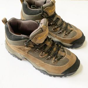 NEW Columbia | Trail Meister Hiking Boot 7